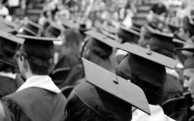 DAS ABI IST GESCHAFFT – Alle Abiturientinnen und Abiturienten haben ihr Ziel erreicht