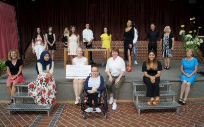 Matthias-Erzberger-Schule spendet 1000 Euro für sozialen Zweck